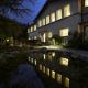 Aussenansicht Außenansicht Hotel An der Gruga Essen Garten Teich Gästehaus