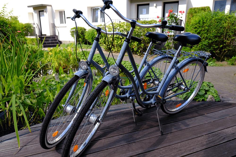 Fahrräder Außenbereich Hotel An der Gruga Essen